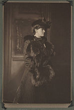 149px-Edith_Newbold_Jones_Wharton_in_hat_with_fur_muff