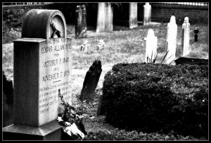 Poe's+Grave